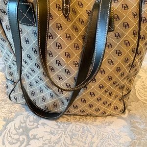 Dooney & Bourke Bags - Dooney and Bourke canvas large tote bag